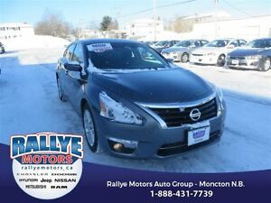2015 Nissan Altima SV! EXT Warranty! Back Up! Alloy! Nav! Sunroo