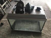 Aquarium fish tank with heater and filter