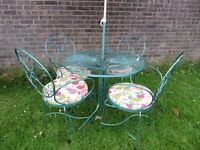 Stunning Vintage Metal Garden Round Table & 4 Chairs with Parasol - UK Delivery