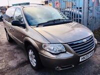 CHRYSLER GRAND VOYGER AUTOMATIC 2.8 DIESEL LIMITED XS STOW N GO 7 SEATS FULL HISTORY 2005 1 OWNER