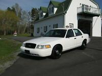 "2011 Crown Victoria ""INTERCEPTOR""  ONLY 149000 KMS !!!!"