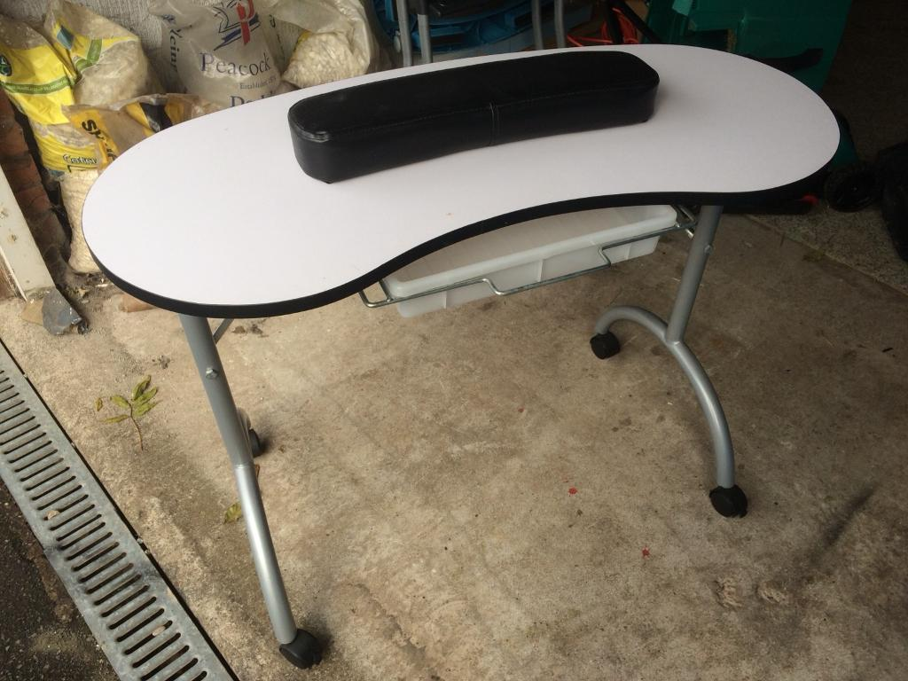 Portable Beauty Nail Table