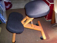 Ergonomic Kneeling Stool