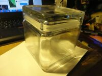 Heavy square glass air-tight storage jar 10cmx10cmx10cm approx