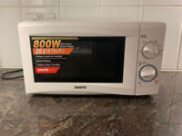Sanyo Microwave in great condition (URGENT!!!!)