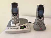 BT Diverse 6450 Twin Handset and Cradles with answerphone facility
