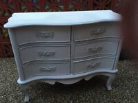 Pretty shabby chic style chest of draws