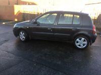 Black 5 door 1.4 Renault Clio 12 months mot