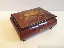 Giovanni Paturzo Sorrento hand made Italian jewellery box