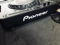 Pioneer CDJ 1000 Pair and flight case