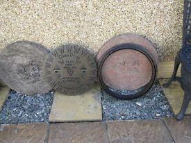 cast iron round manhole cover 50cm. diameter