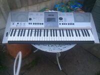 2 x Yamaha psr413 electronic Keyboard