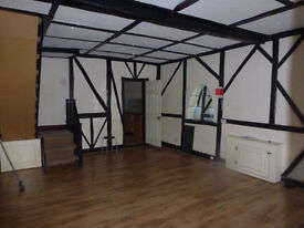 Spacious 3 bed house**separate reception**part furnished**fitted kitchen**South Norwood, SE25 area