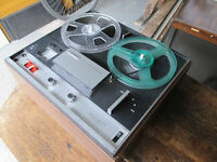 Sony TC-252 D reel to reel tape recorder