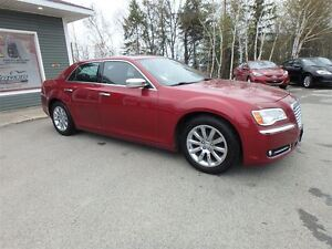 2012 Chrysler 300 LIMITED!! PANO ROOF!! CERTIFIED!! !