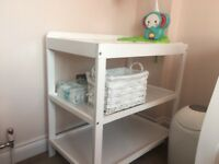 O Baby Changing Unit - Excellent Condition
