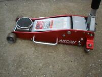 ARCAN Proffesional 2 ton Trolley Jack. Low entry.fast lift