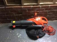 Leaf blower / sucker