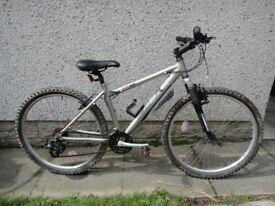 Edinburgh bicycle Cuillin 2HT, 26 inch wheels, 18 gears, 16 inch aluminium frame, front suspension