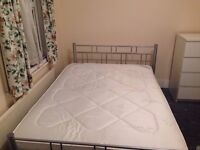 E7.Off Green street. Spacious Ensuite room.close to East ham station. Wifi. All bills inc.furnished