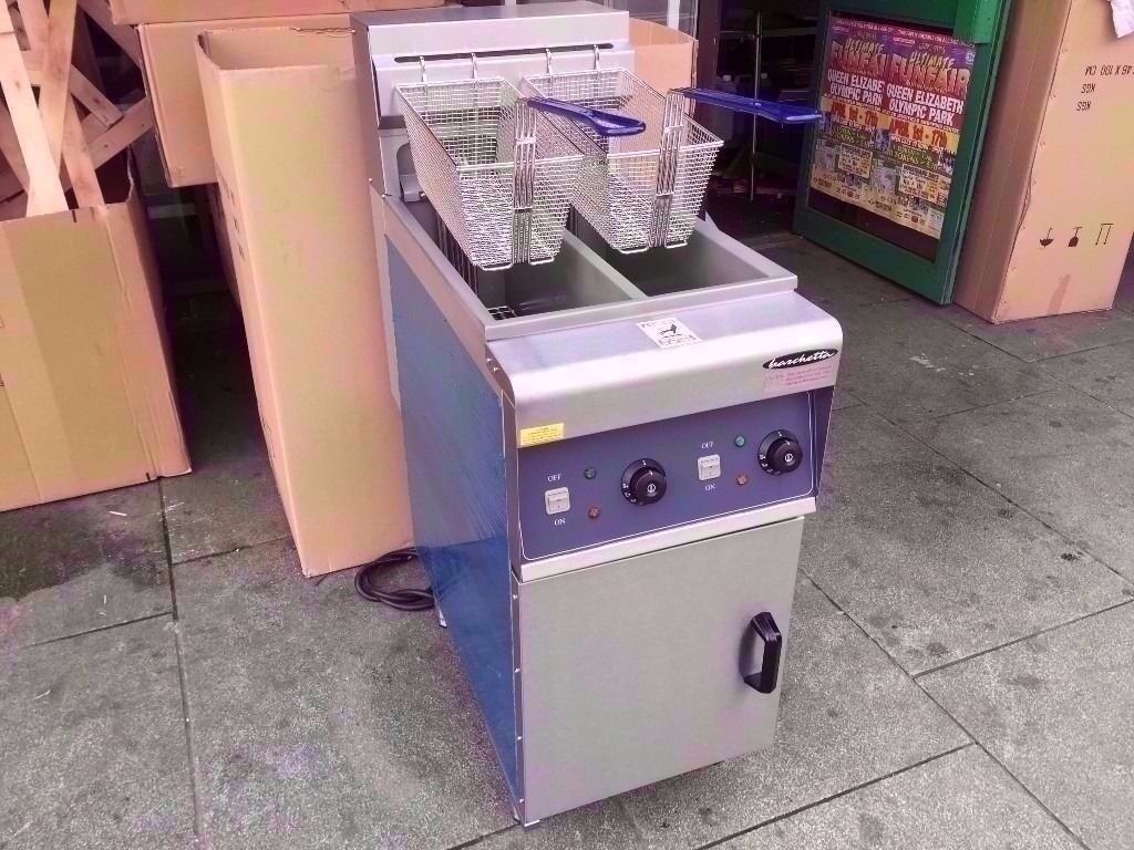 BRAND NEW TWIN TANK FASTFOOD ELECTRICAL FRYER COMMERCIAL MACHINE CHIPS CATERING TAKEAWAY CAFE SHOP