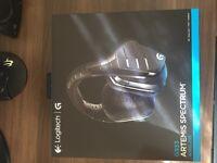 Logitech G933 Artemis Spectrum 2.4 GHz Wireless 7.1 Surround Sound Pro Gaming Headset for PC, PS4