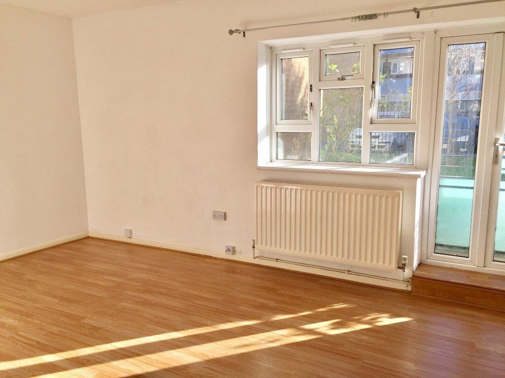 *New Four Bedroom, perfect for sharers and families. Located Short Walk Bellingham Train Station!