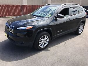 2015 Jeep Cherokee North, Heated Seats, Bluetooth, Only 23,000km