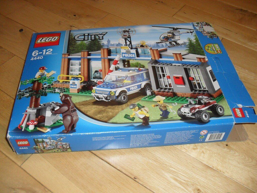 Lego City Forest Police Set In Original Box 4440 In Stirling