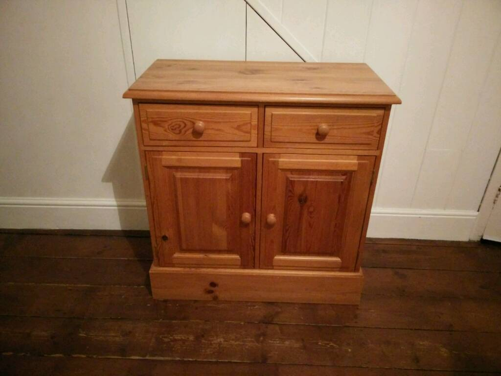 £65 heavy Chunky Solid pine sideboard dresser cabinet farmhouse shabby chic project