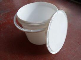 5lt plastic pot/bucket