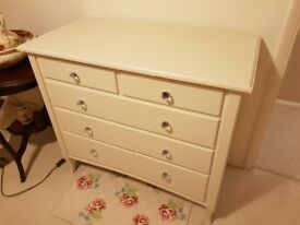 Perfect condition cream chest of drawers