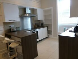 Bright, south facing 1 bed flat (plus boxroom) to rent, Ogilvie Terrace, Shandon/Slateford