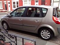 Tidy family car inside and out Renault scenic