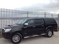 2015 TOYOTA HILUX D/C 3.0 D4-D INVINCIBLE MANUAL 4X4 BLACK ++ LOW MILEAGE!!! ++ FSH!!! ++