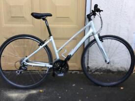 Giant hybrid mountain bike