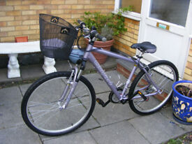 "LADIES 26"" WHEEL BIKE 18"" ALUMINIUM FRAME IN GREAT CONDITION"