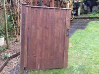 Solid wooden gate, vgc could deliver
