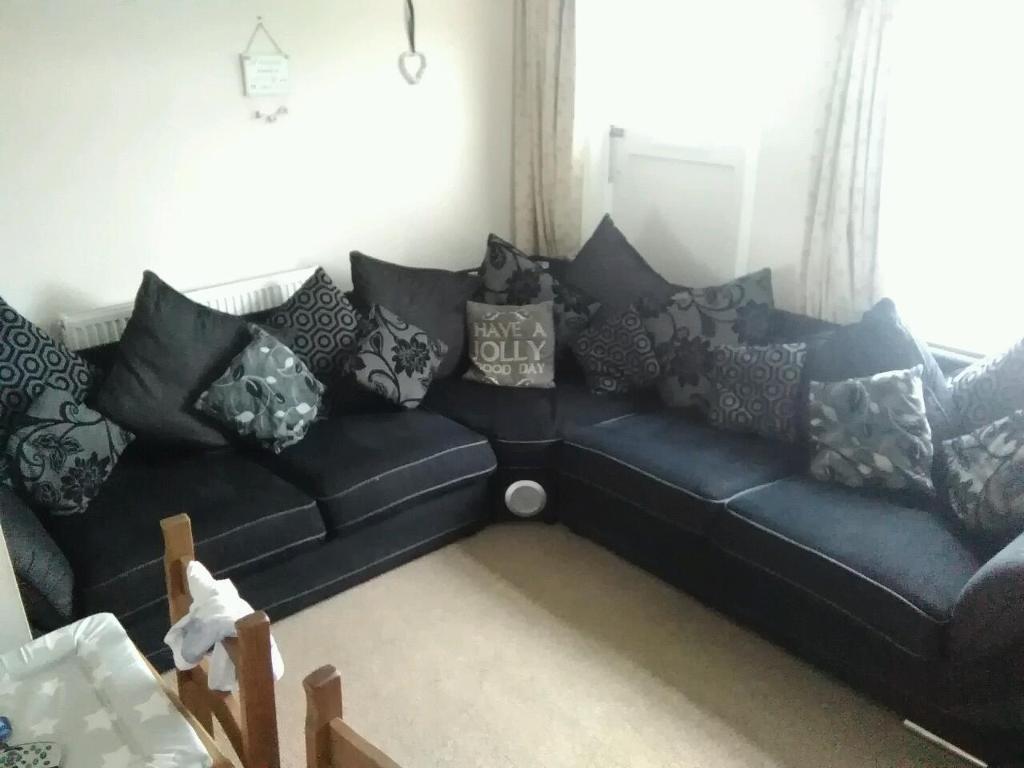 scs matrix corner sofa with sound system in ipswich. Black Bedroom Furniture Sets. Home Design Ideas