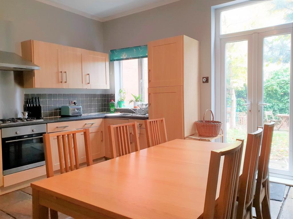 4 bedroom house in Nursery Mount, Leeds   in Belle Isle ...