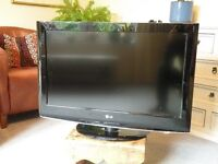 LG 32 inch Television for sale - Colour