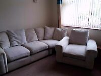 Part corner unit and chair. Good condition. NEEDS SELING ASAP!! No time wasters!!