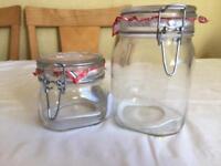 6 Storage jars