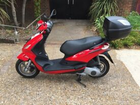 Piaggio fly 2015, 125cc £1,400 ono, near new condition! Low miles! LX/GT/GTS/ET4/ZIP/VESPA