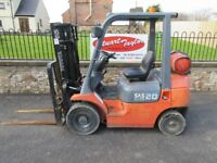 TOYOTA GAS CONVERTED FORKLIFT TRUCK 1999 2000KG RATED CAPACITY WITH SIDE SHIFT