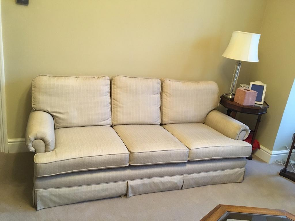 Very comfortable 3 seater sofa collect W3