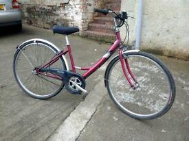 Ladies Hybrid Raleigh Caprice town bike