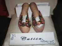 LADIES SUMMER SANDALS. NEW SIZE 6. BOX OF 12