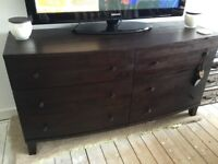 Large solid wood mahogany chest of drawers / TV unit lenghth59ins height31ins width20ins need gone A