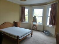 A lovely spacious double bedroom in the area of Ealing. Single person only.